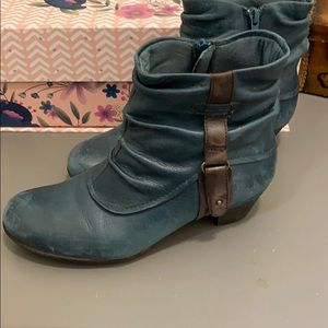 Cobb Hill Booties New Balnce  turquoise green 7W
